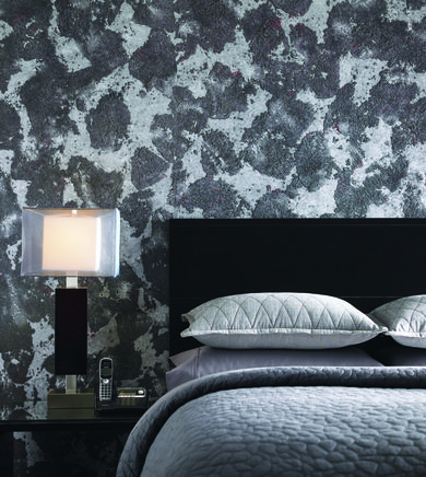 How to Go Bold with Wallpaper